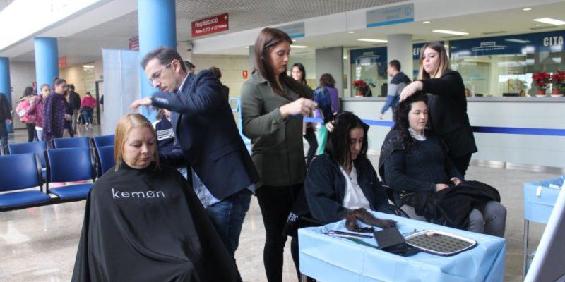 El Hospital de La Ribera recoge cerca de 5 kilos de pelo para hacer pelucas para pacientes oncológicos